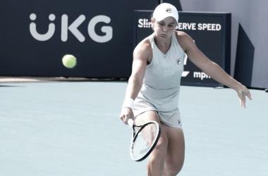 Barty vence Ostapenko com tranquilidade no WTA 1000 de Miami