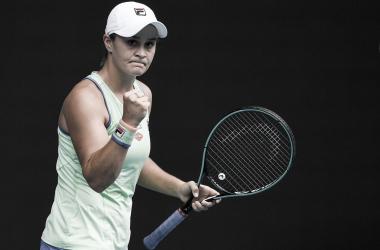 Barty passa fácil por Hercog e vai à terceira rodada no Australian Open