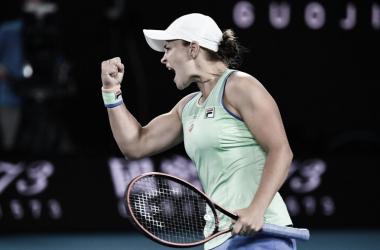 Barty tem trabalho, mas consegue bater Riske e avançar no Australian Open