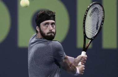Federer perde de virada para Basilashvili nas quartas de final em Doha