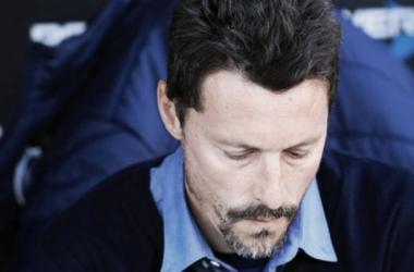 El dolor del ex técnico se reflejó en su voz y en su mirada. Foto: Diario Popular.