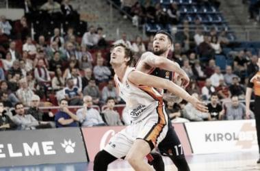 Valencia ejerce de campeón en el duelo europeo ante Baskonia