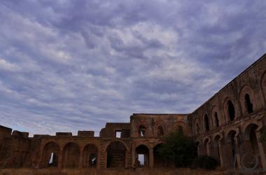 Vistas del claustro del convento de Carmona.  Foto: Fran Rodgue