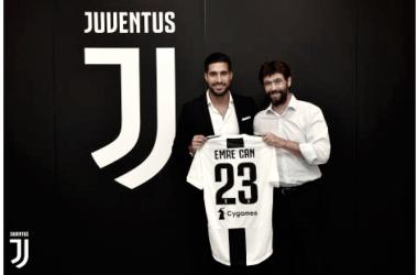 Emre Can posa con la camiseta de la Juventus | Imagen: www.juventus.com