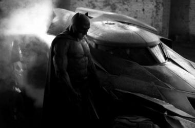 Ben Affleck, en la primera imagen oficial como Batman. (Foto (sin efecto): zacksnyder).