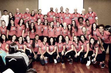 Sesi Bauru apresenta Anderson Rodrigues como treinador e confirma renovação com Tiffany