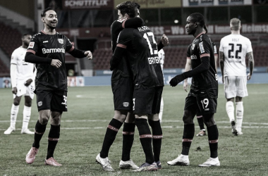 Bayer Leverkusen goleiaHoffenheim, mantéminvencibilidade e vira líder da Bundesliga