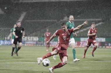 Octacampeão! Com gol de Lewandowski, Bayern vence Werder Bremen e garante 30º título alemão