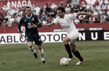 Delaney contra Raúl de Tomás / @SevillaFC (Twitter)