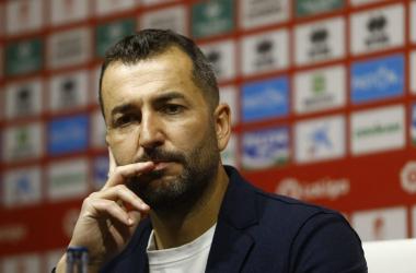 Diego Martínez comparece ante los medios. Foto: Pepe Villoslada/GCF
