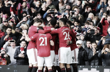 Manchester United derrota Watford em Old Trafford e encosta no G-4 da Premier League