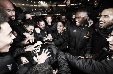 Los jugadores belgas celebran su clasificación para el Mundial. | UEFA. com