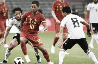 Hazard controla la pelota. | Foto: Agencia AFP.