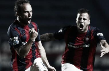 Belluschi festejando su gran gol de tiro libre | Foto: TyC Sports