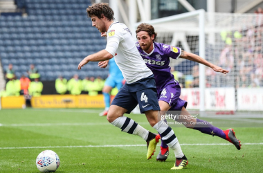 Preston North End's Ben Pearson vies for possession with Stoke City's Joe Allen during the Sky Bet Championship match between Preston North End and Stoke City at Deepdale on August 18, 2018 in Preston, England. (Photo by Andrew Kearns - CameraSport via Getty Images)