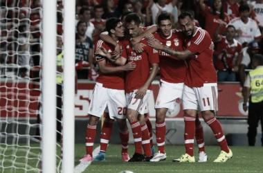 Impróprio para cardíacos: Benfica sofre mas bate Moreirense por 3-2