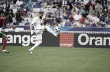 Susto de Benzema en el partido ante Bulgaria