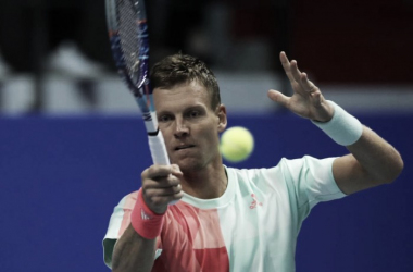 Tomas Berdych hits a forehand during his second round match. Photo: St. Petersburg Open