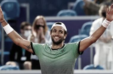 Berretini celebra la victoria del Serbia Open. (Fuente: Twitter @SerbiaOpen2021)