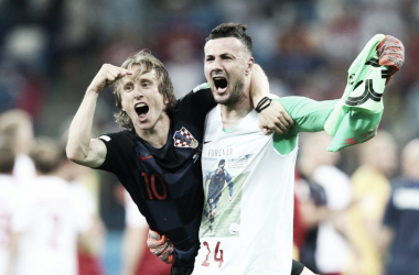 Modric y Subašić celebrando el pase a cuartos de final frente a Dinamarca | Foto: FIFA