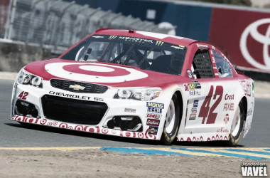 Kyle Larson qualifies in Sonoma. (Brandon Farris - VAVEL USA)