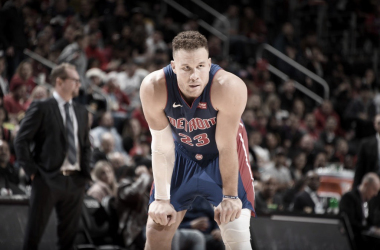 Blake Griffin undergoes knee surgery