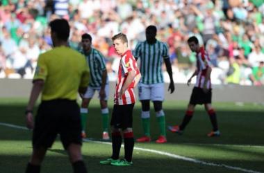 Com lances polêmicos, Bilbao vence o Bétis no Benito Villamarín