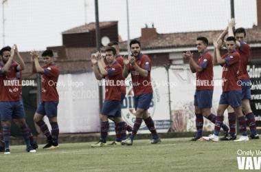 El Ceares saludado a su afición / Foto: Onely Vega
