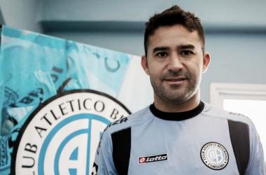 """Claudio Bieler se calzó la """"Celeste""""   Foto: Belgrano Oficial."""