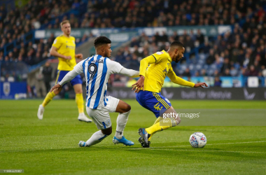 <div>Huddersfield Town v Birmingham City - Sky Bet Championship</div><div>HUDDERSFIELD, ENGLAND - NOVEMBER 23: Elias Kachunga of Huddersfield Town and Jake Clarke-Salter of Birmingham City during the Sky Bet Championship match between Huddersfield Town and Birmingham City at John Smith's Stadium on November 23, 2019 in Huddersfield, England. (Photo by Ben Early/Getty Images)</div>