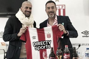 Matosas y Verón en conferencia de prensa. Foto: Prensa Estudiantes