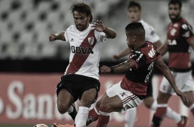 """<p class=""""MsoNormal"""">Leonardo Ponzio disputando el balón. En la Copa Libertadores 2018. River y Flamengo coincidieron en fase de grupos, empatando ambos encuentros. FOTO: Web&nbsp;<o:p></o:p></p>"""