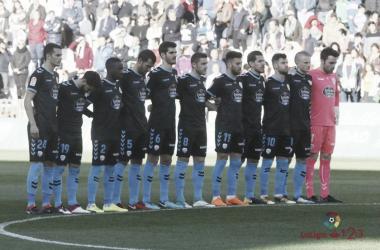 Los jugadores lucenses guardan un minuto de silencio en memoria de Gabriel / Fuente:LaLiga