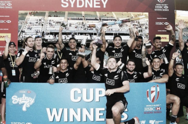 New Zealand claimed victory in the Sydney Sevens after a 27-24 final victory over the hosts (image via: NZ7s Twitter)