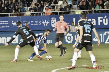 Pulido Santana en una acción del Lorca - Lugo   Fuente: La Liga