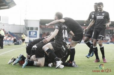 Los jugadores celebran el gol de Gallar   Fuente: La Liga