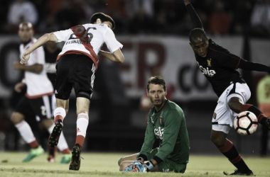 Ignacio Fernández, con un gol y dos asistencias, fue la figura de un River Plate que jugó un gran partido y obtuvo una gran victoria para ser único líder del Grupo 3.