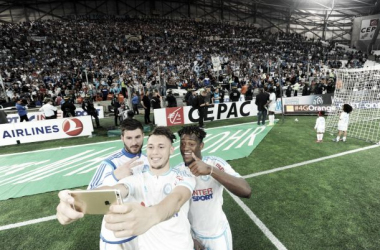 Pasado, presente y futuro del Marsella, en un 'selfie' post victoria. (Foto: Olympique de Marseille)