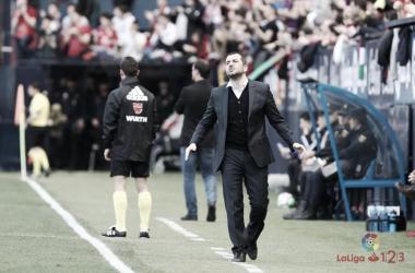 Diego Martínez lamentando una acción de su equipo   Fuente: LaLiga