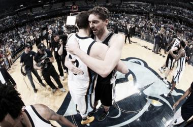 Los Spurs zanjan el duelo de los hermanos Gasol