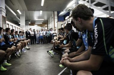 Grupo gremista se reapresenta e ouve palavras de seus comandantes (Foto: Lucas Uebel/Reprodução Grêmio)