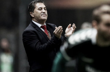 """José Peseiro: """"La superación fue enorme, con diez y con la ayuda de la afición"""""""