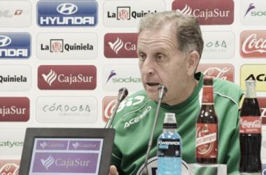 J.A. Romero en Sala de prensa. (Foto: www.cordobacf.com)