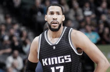 Sacramento Kings y Memphis Grizzlies intercambian piezas