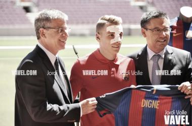 Robert Fernández repasó la actualidad del FC Barcelona en la presentación de Digne