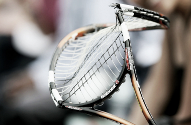Se rompe la raqueta. Imagen: Getty Images