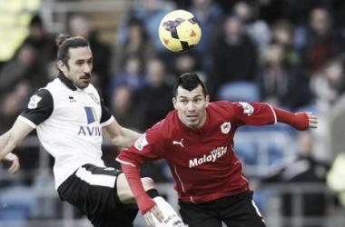 Marshall salvaguarda la victoria del Cardiff