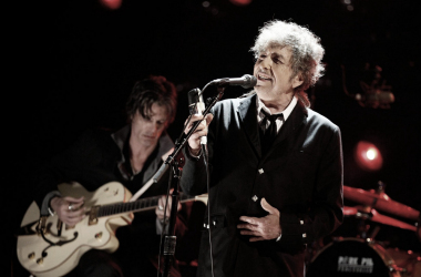 Bob Dylan durante un concierto | Foto: The Independent