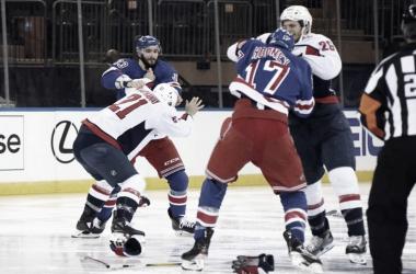 Foto del primer partido entre los Rangers y los Capitals - theathletic.com