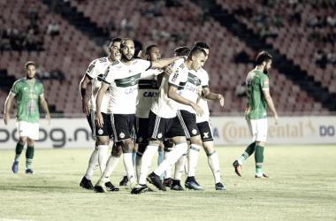 Coritiba faz partida consciente, elimina Uberlândia e avança na Copa do Brasil